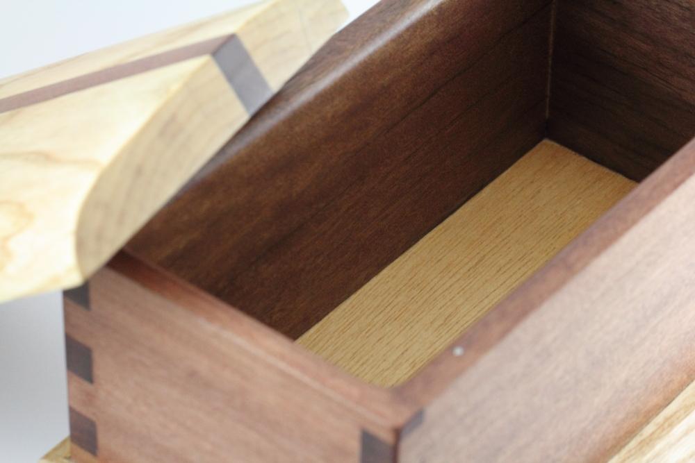 how to make a wooden keepsake box