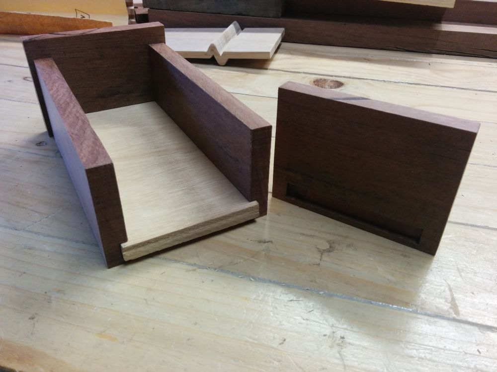 Keepsake box dry assembly