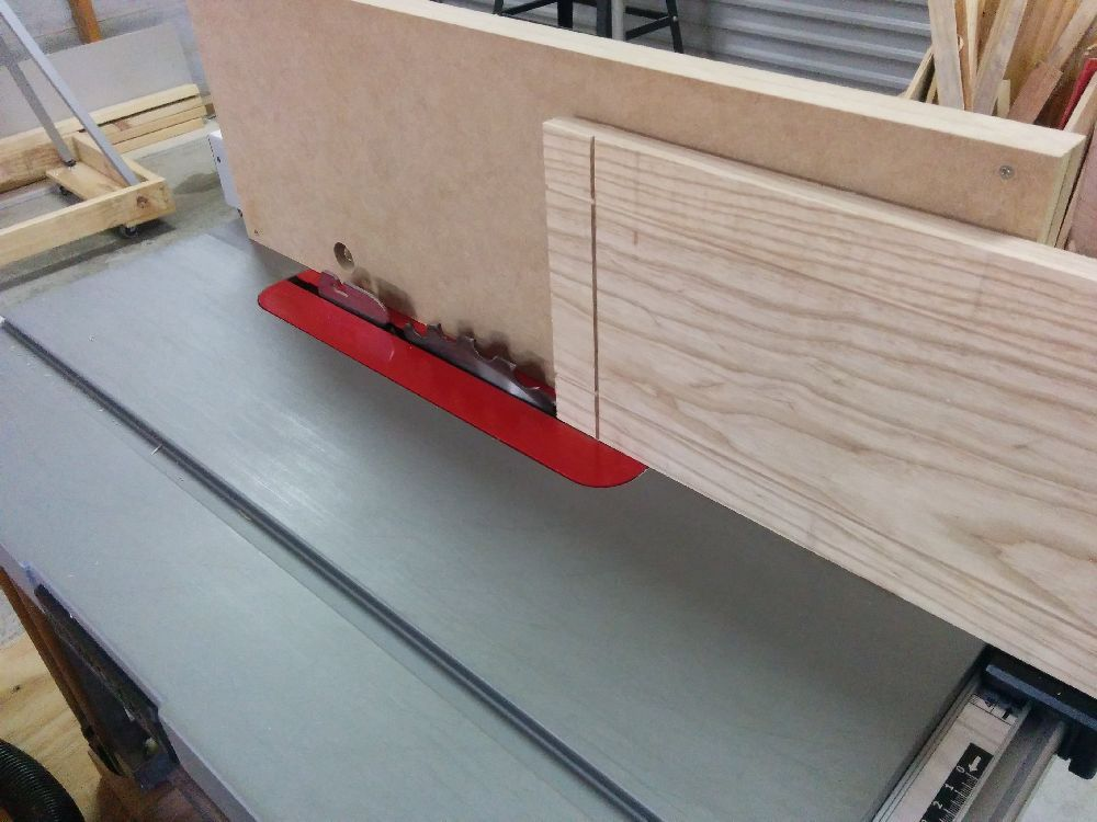 Shaping the box's lid