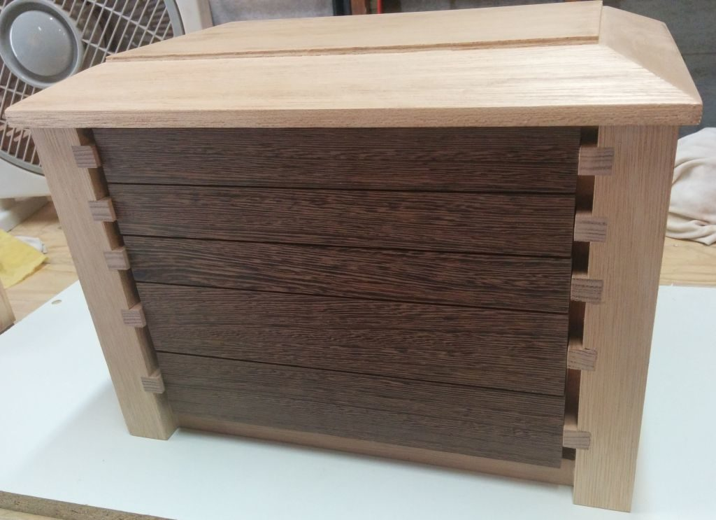 Runners notched so drawers can be recessed